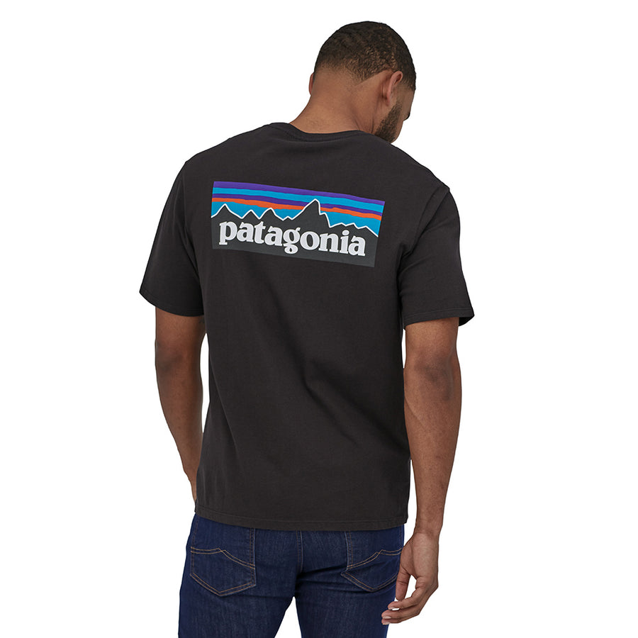 Patagonia Men's P-6 Logo Organic T-Shirt BLK - Model 2