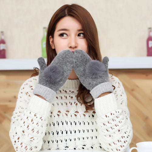1 Pairs 2017 Newest Women Mittens Winter Thicken Rabbit Fur Ball Wool Knitted Ladies Gloves Outdoors