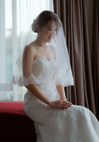 dentelle bridal wedding dress