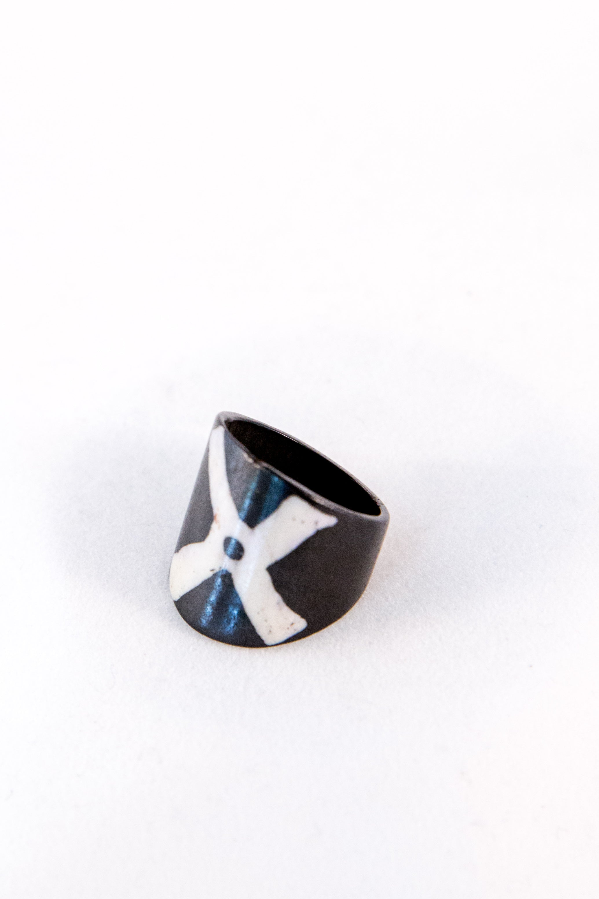 Lekan Ring - Black & White