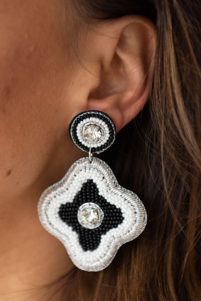 Lisa Earring - Black