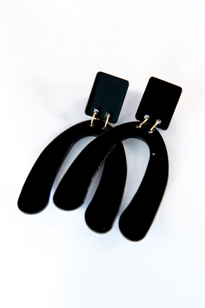 Wishbone Earring - Black