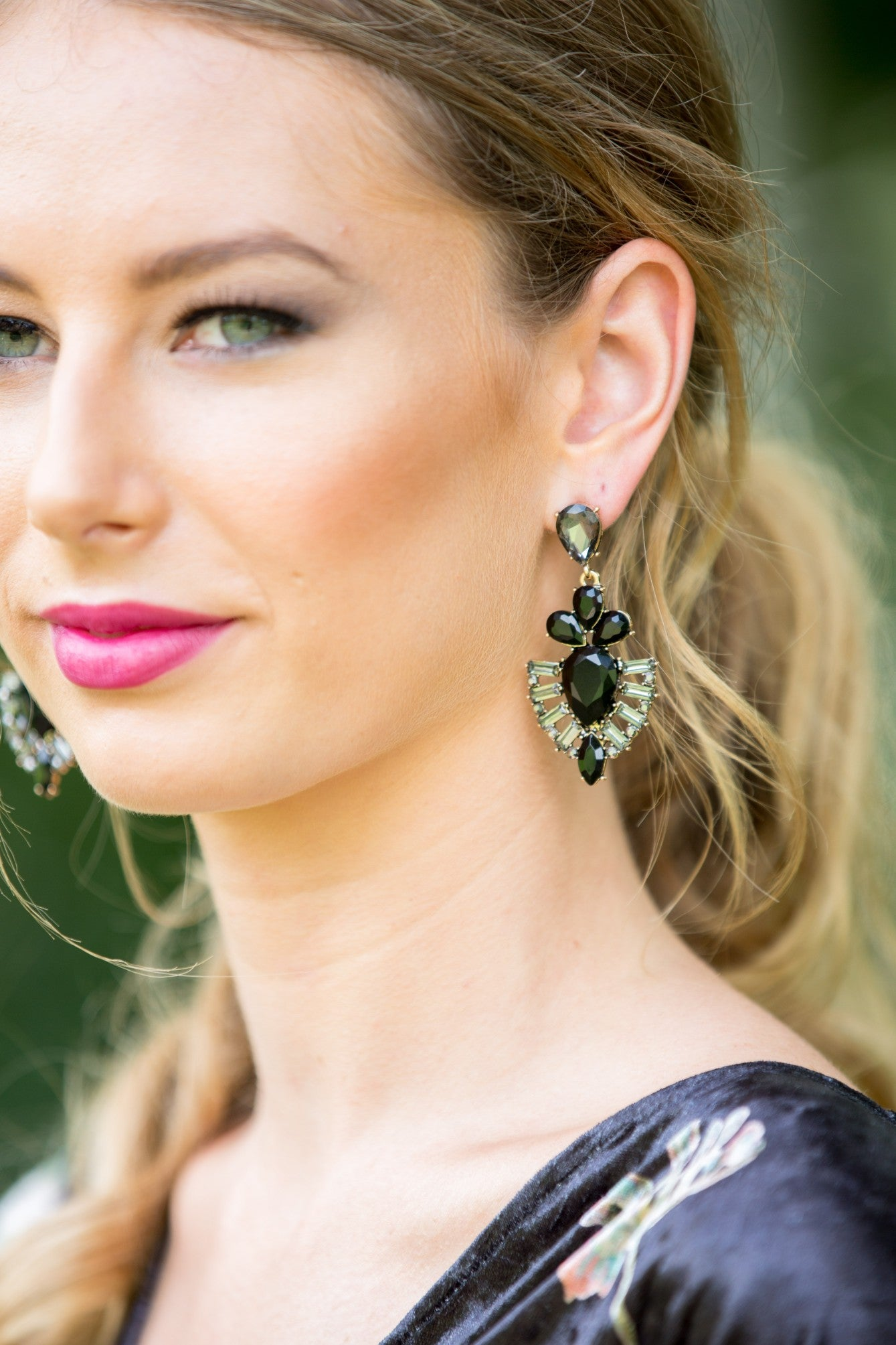 Dame Earring - Black