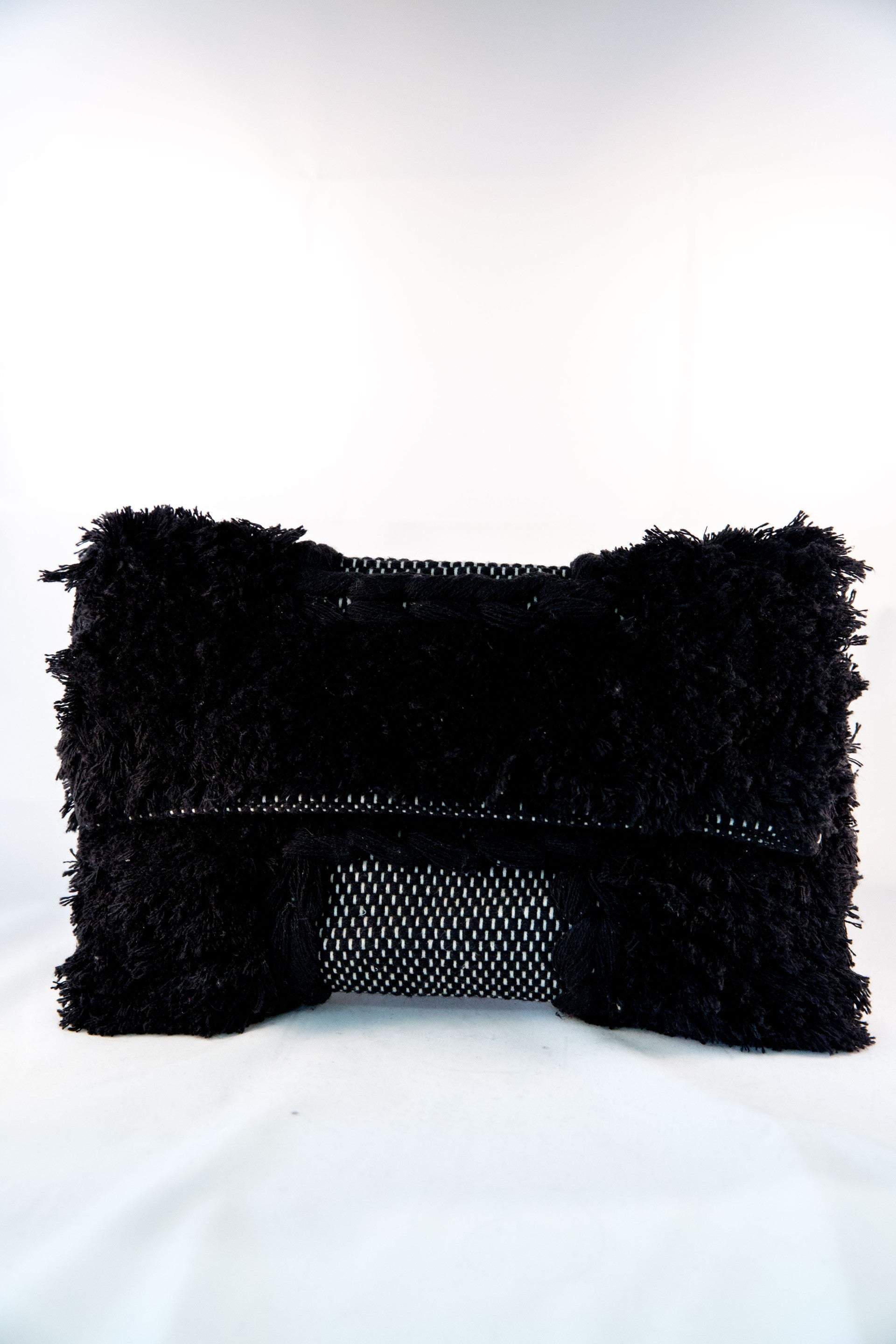 Alula Clutch - Black & White
