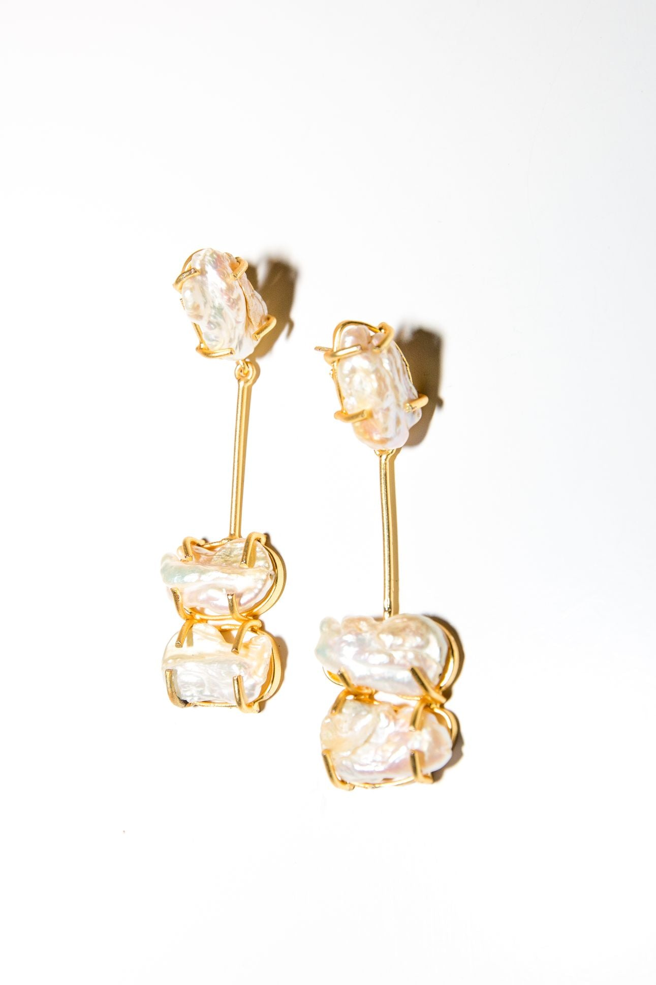 Palace Earring - Mother of Pearl