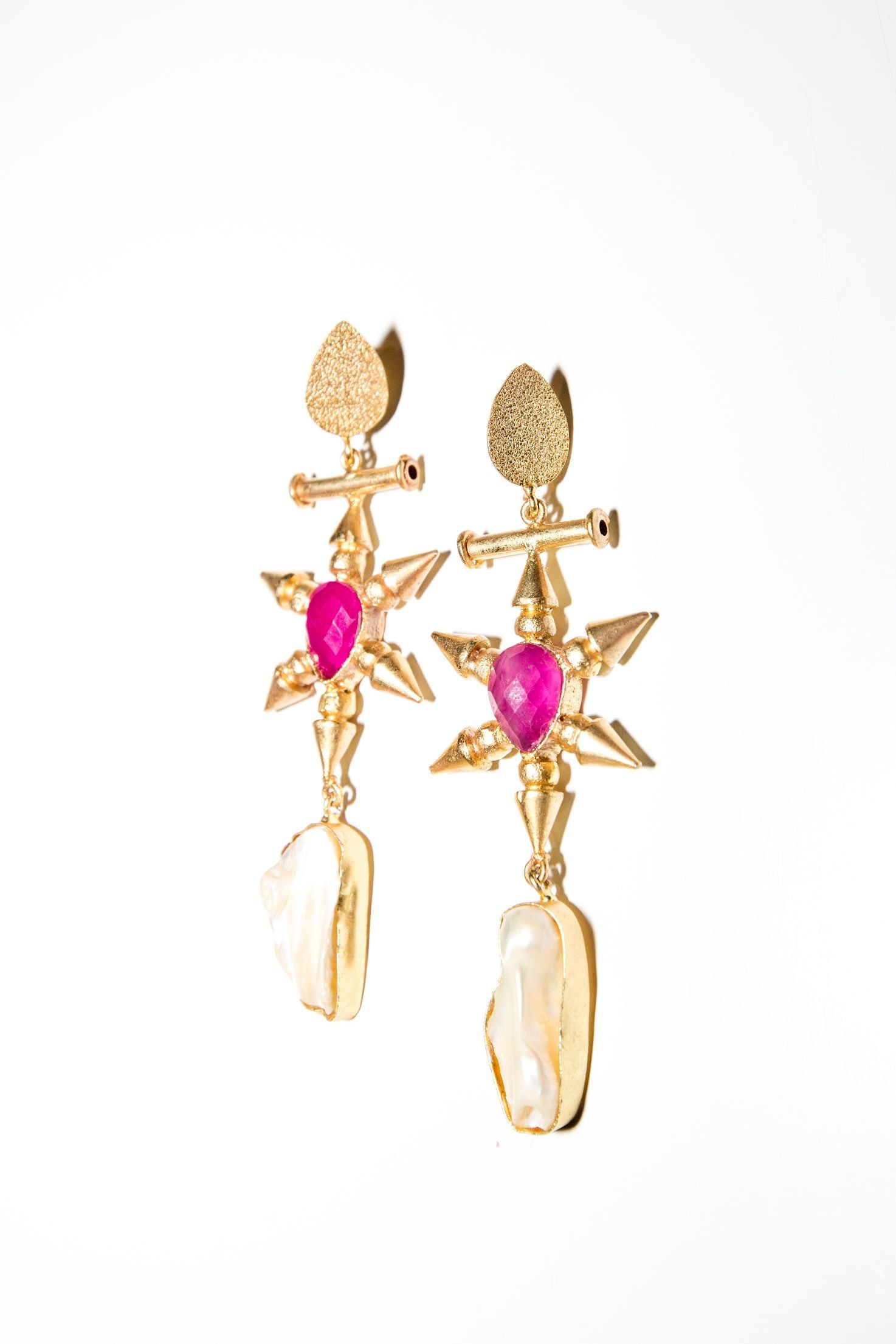 Golden Throne Earring - Pink Onyx & Mother of Pearl