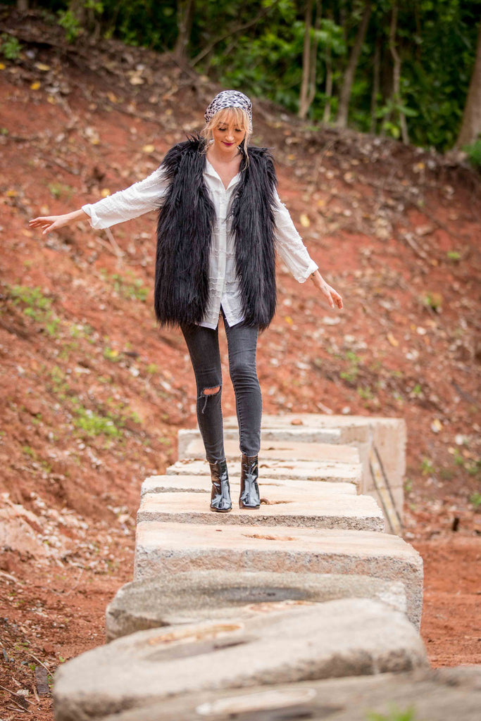 HESTER FAUX FUR VEST - Black