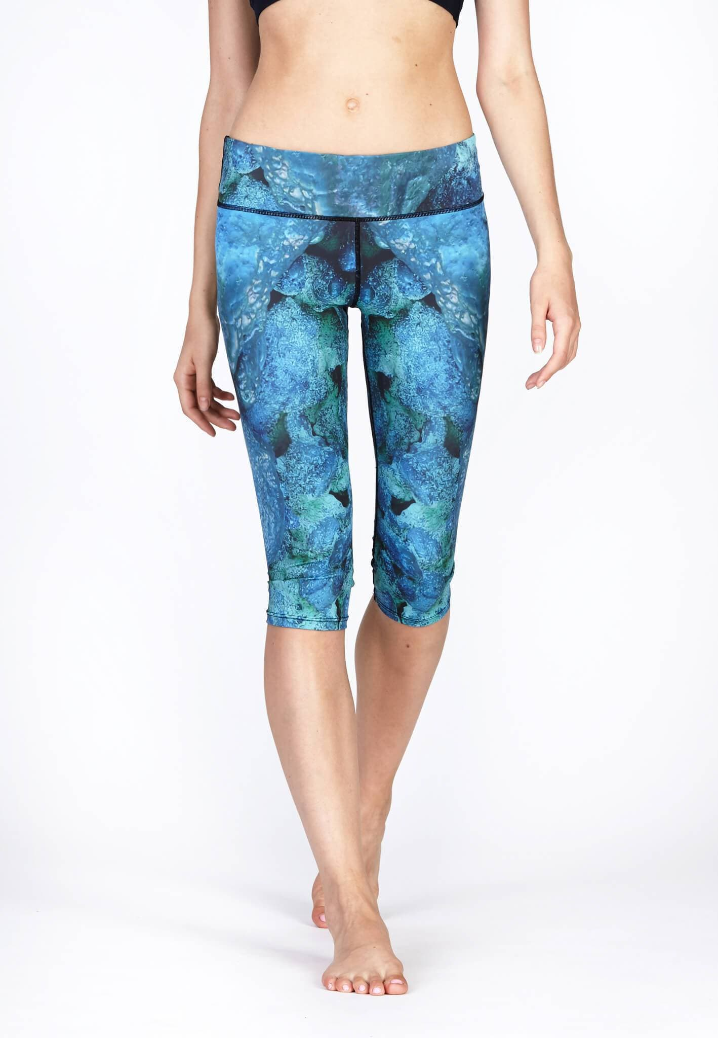 Active Capris in Aquatic Print - FUNFIT