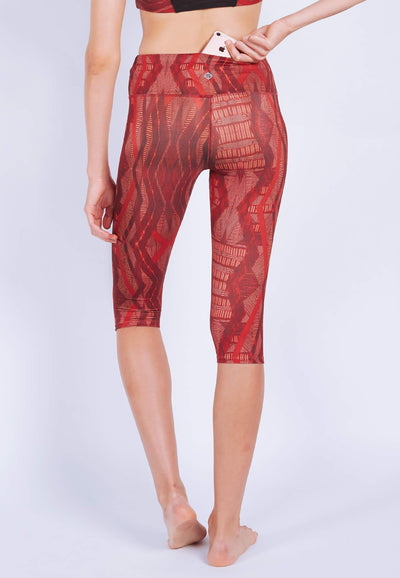 INTENSITY 3/4 Capris (with Keeperband®) in Aeneas Print - FUNFIT