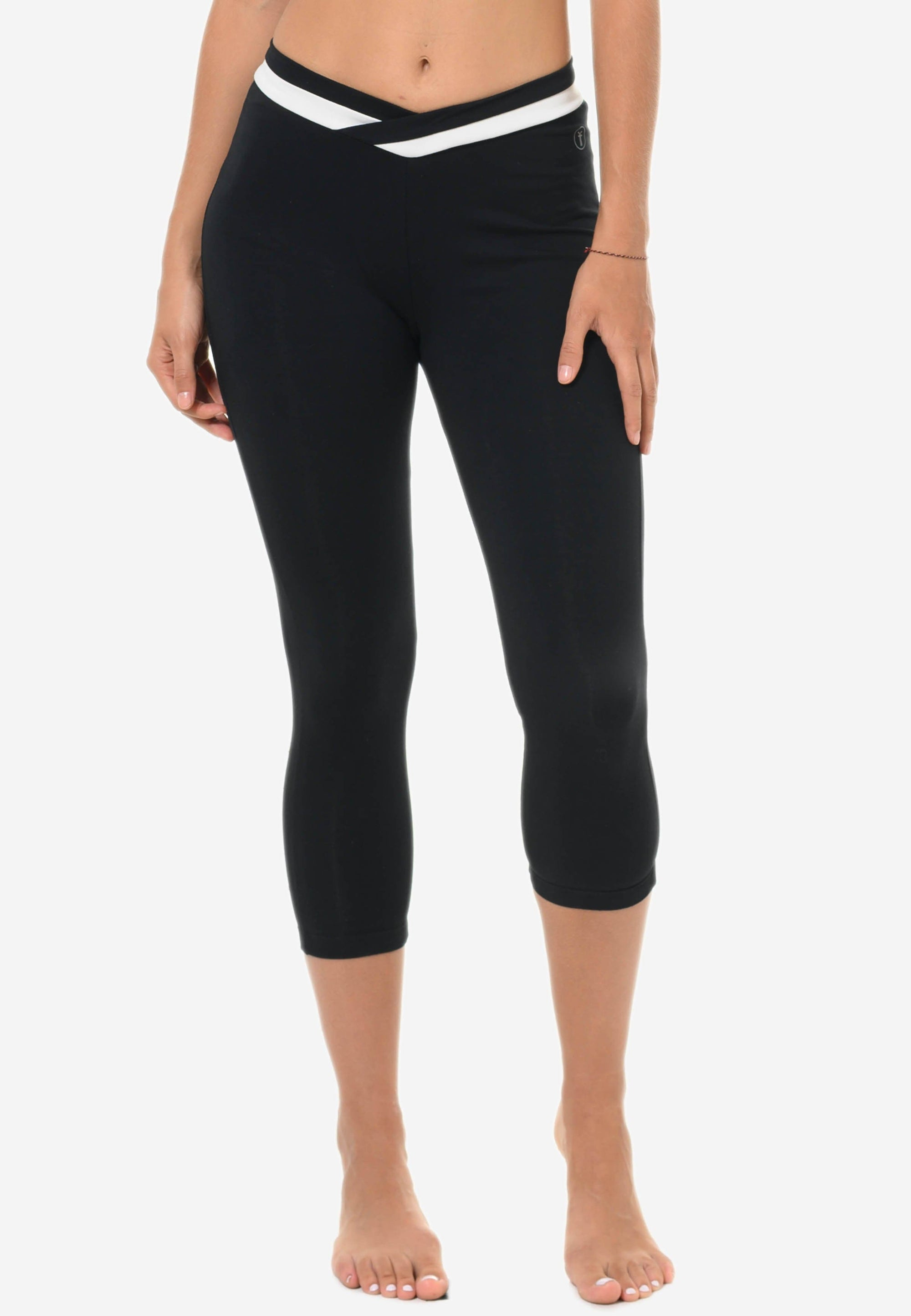 FUNFIT Capris with White Waistband in Black (S - 3XL)