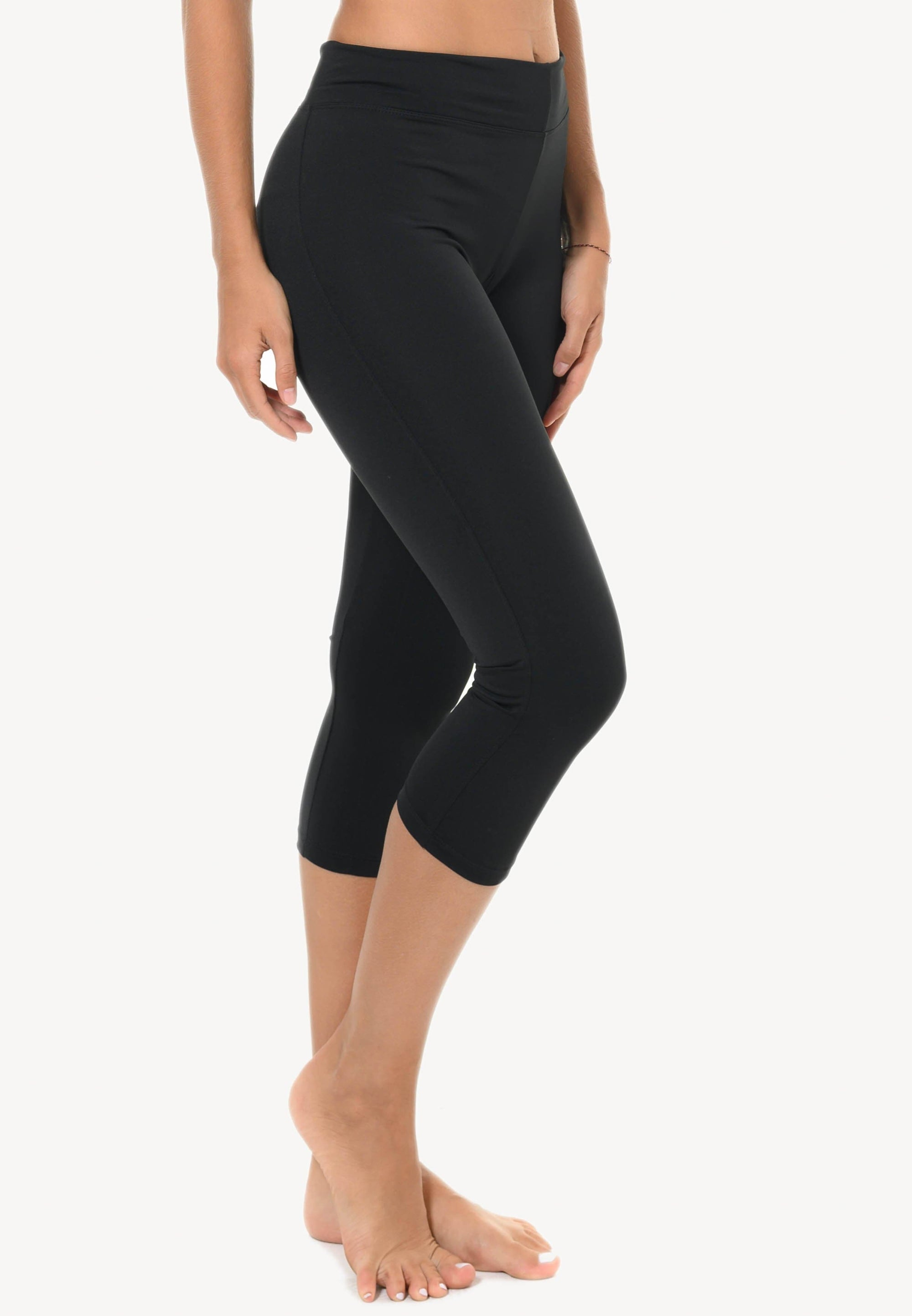 Basic Capris in Black with Back Trim (S - 2XL)