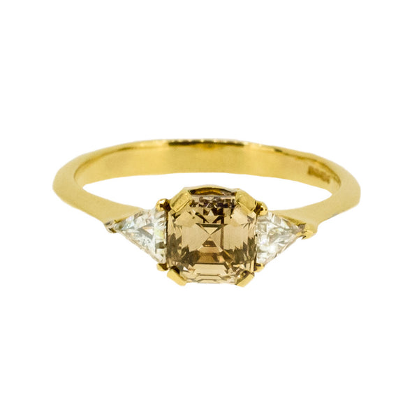 18ct Gold Ring with Brown Diamond