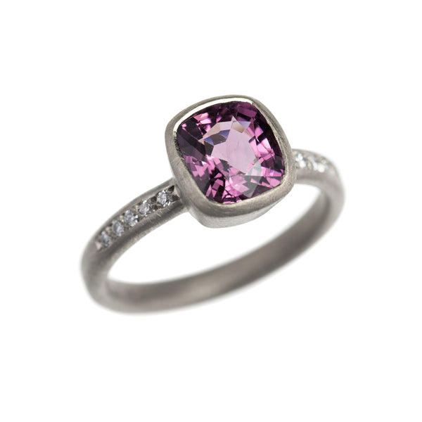 Purple Spinel & 18ct White Gold Ring with Diamonds