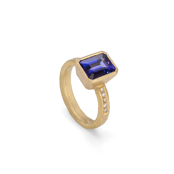 Tanzanite & Diamond 22ct Yellow Gold Ring