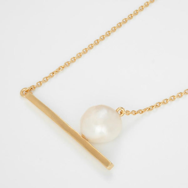 Gold Dream of Sleep Necklace with Pearl
