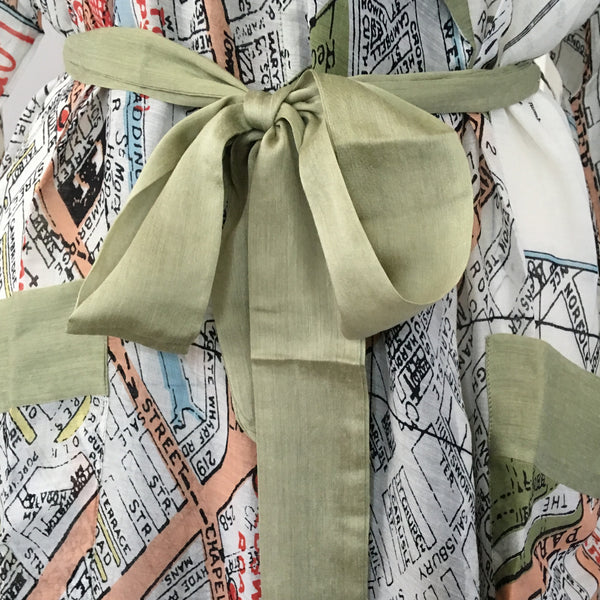 Dressing Gown - London Map - bow