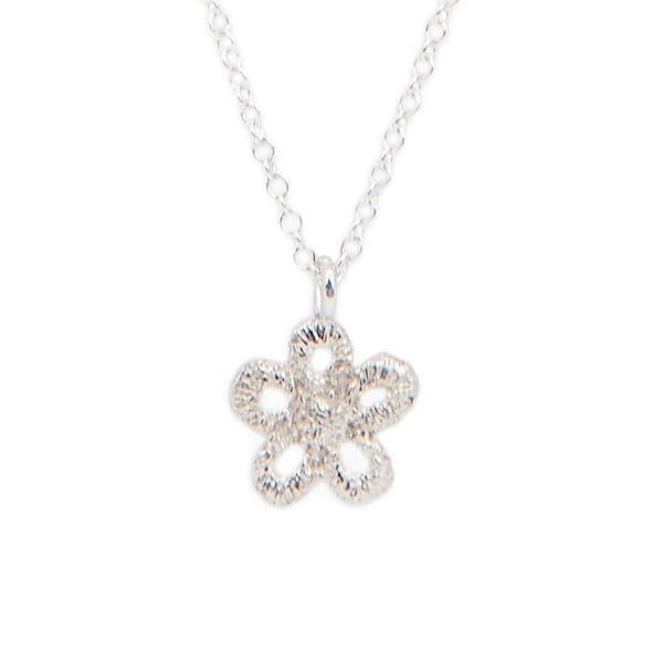 I Love A Lassie Jewellery Antique Lace Daisy Sterling Silver Necklace detail