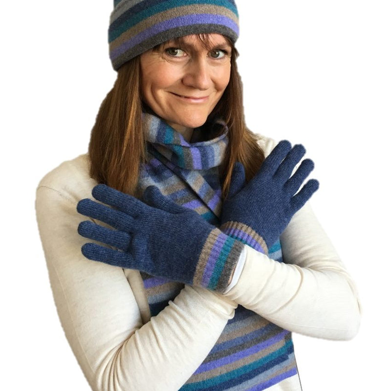 Old School Beauly Knitwear - Inverness Blue Skies Gloves on model
