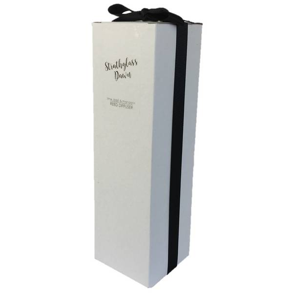 Old School Beauly Strathglass Dawn Reed Diffuser gift boxed with ribbon.