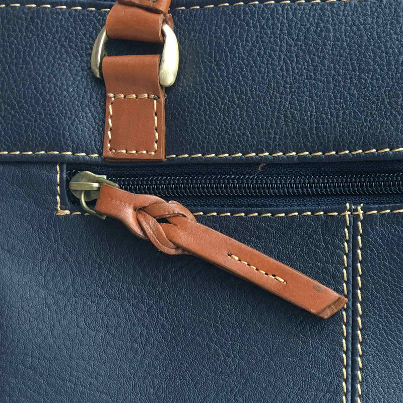 Rowallan Of Scotland Prelude Navy Small Grip Shoulder Bag detail
