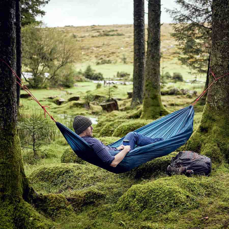 Travel Hammock GEN387 in use