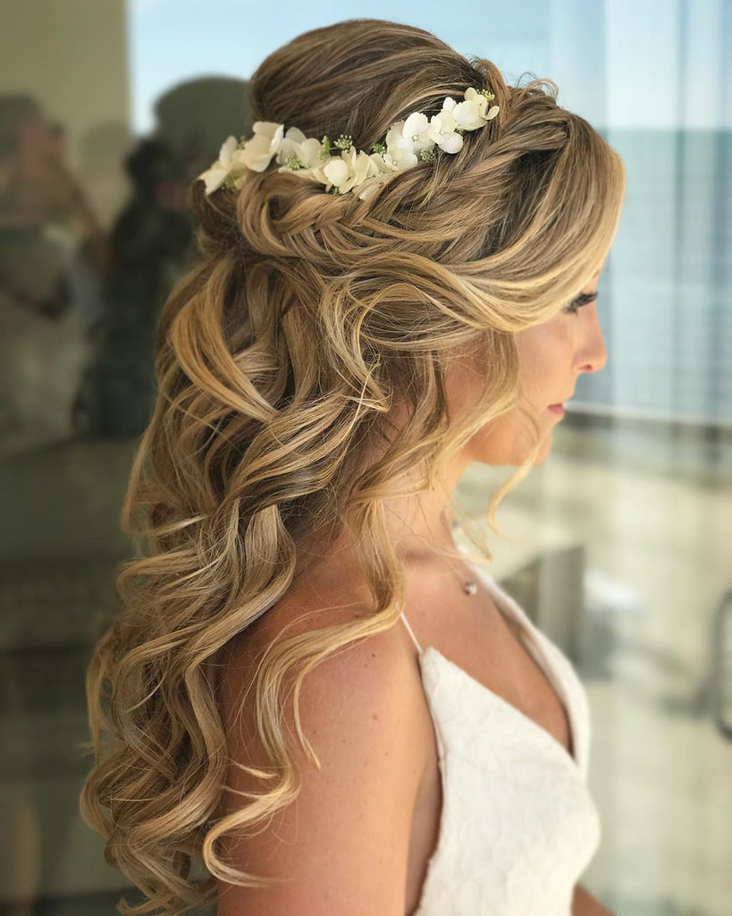 bridesmaid-hairstyle-half-up