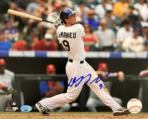 DJ LeMahieu 8x10 Autographed Photo - Hitting (Blowout)