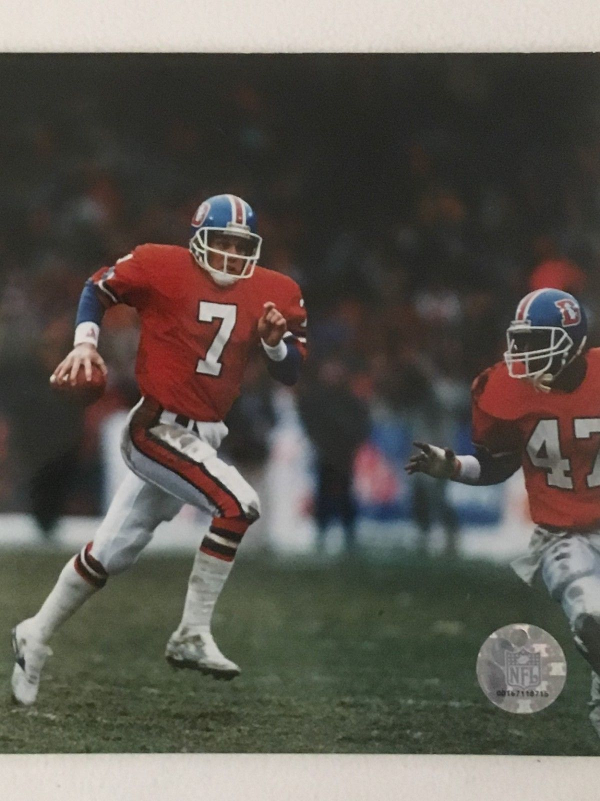 John Elway Unsigned 8x10 Photo
