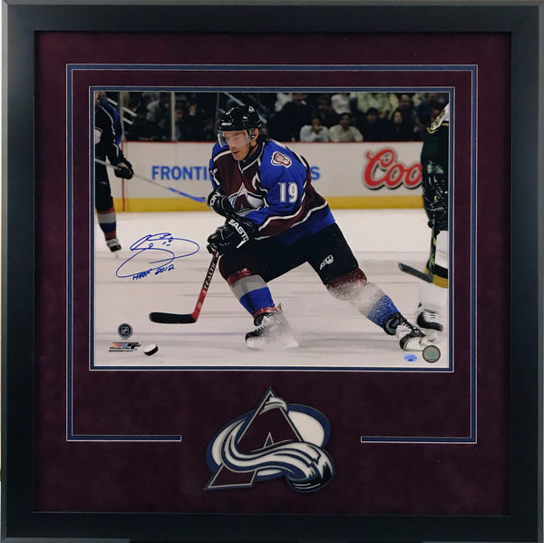 Joe Sakic 16x20 Deluxe Framed Photo with Inscription