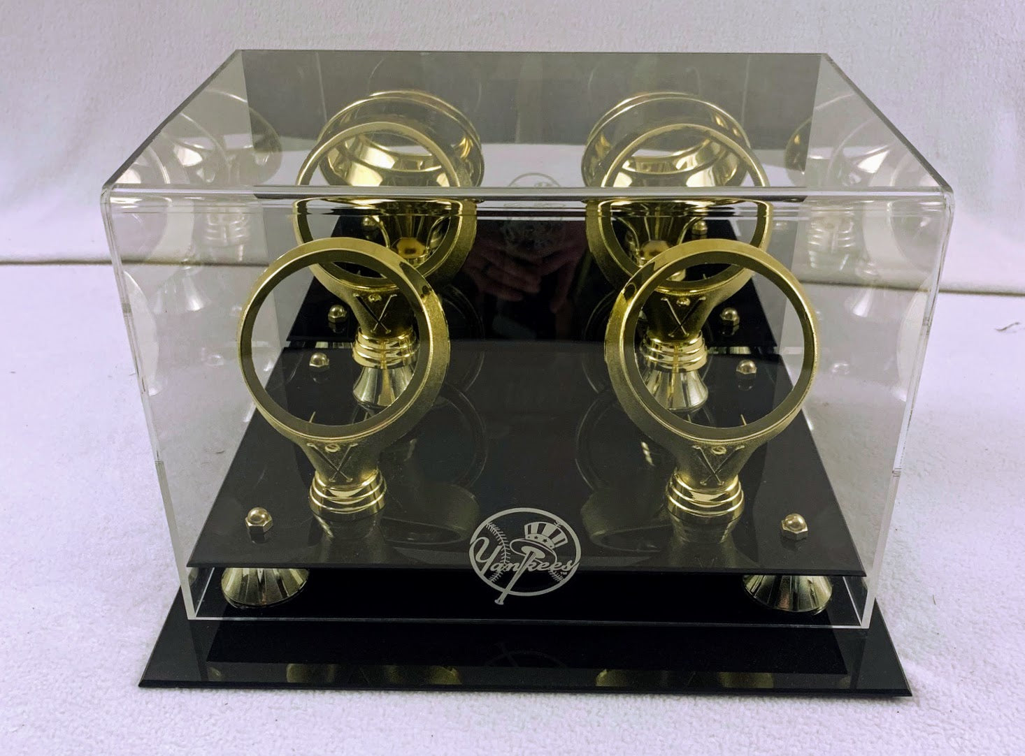 New York Yankees Four Baseball Holder Display Case