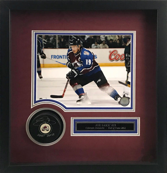 Joe Sakic signed Puck w/ HHOF inscription in shadow box frame