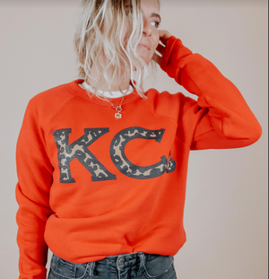 KC heart leopard crewneck - Local T KC