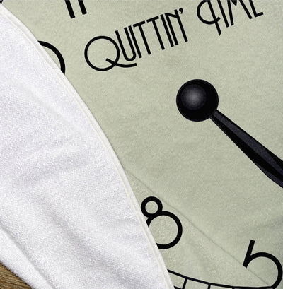 Quittin' Time, 5 pm Clock Face – Round Microfiber Beach Towel