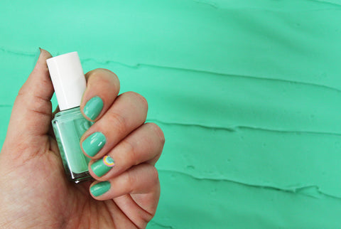 Mani Monday Essie Green