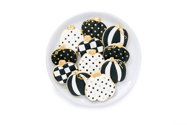 Black & White Pumpkins