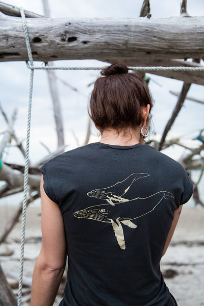 organic cotton whale t charcoal