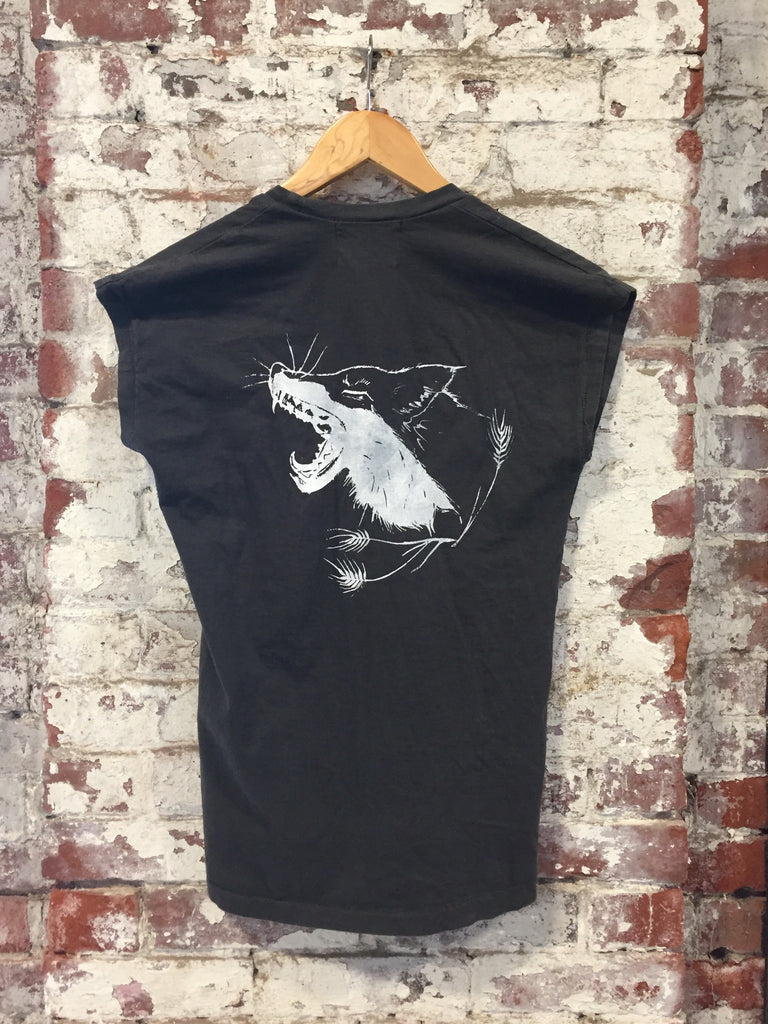 organic cotton yawning fox t