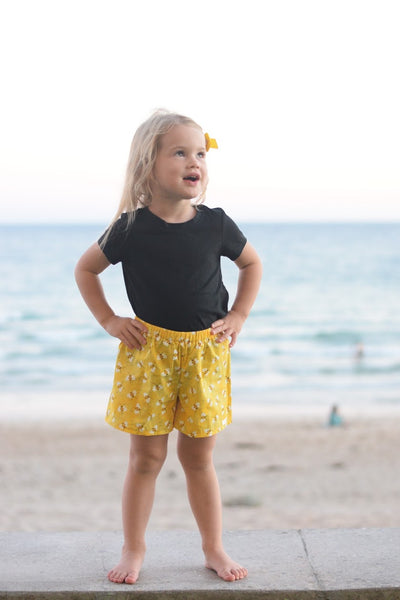 bee, bees, bumblebees, shorts, girls, summer, spring, fashion, handmade, yellow, black, trendy, ootd