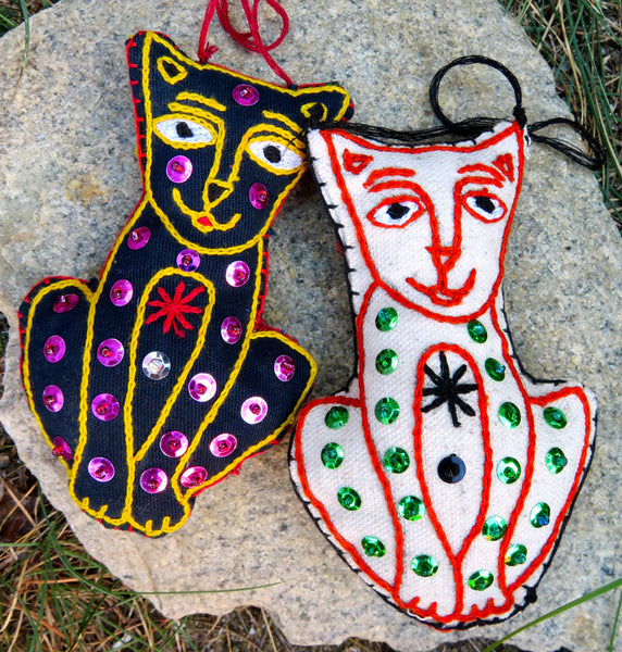 Ornament: Cat Lovers