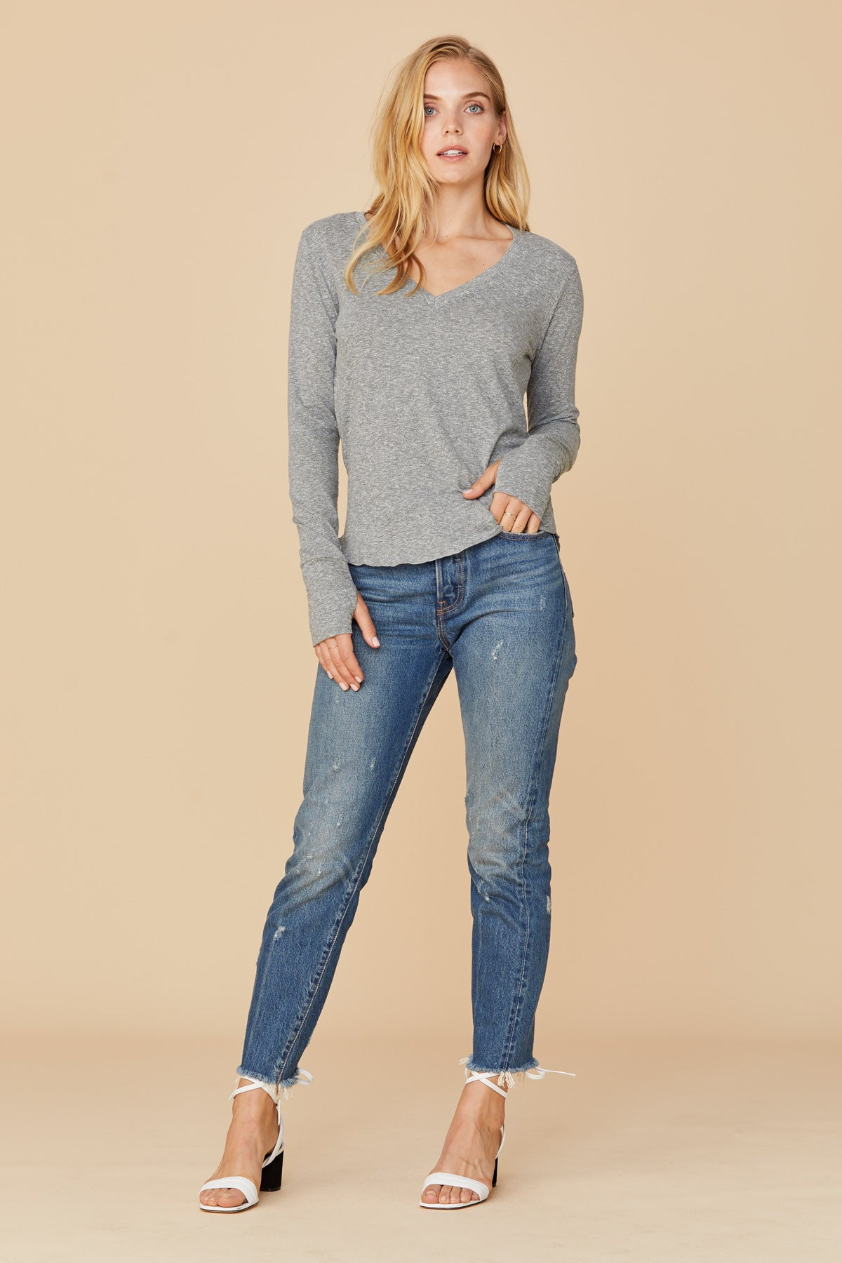 LNA Essentail Tri-Blend Long Sleeve V Neck
