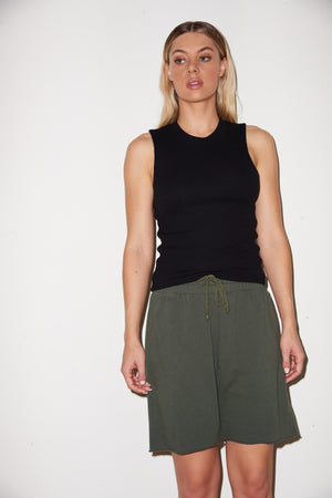 LNA Long Terry Short in Climbing Ivy Green
