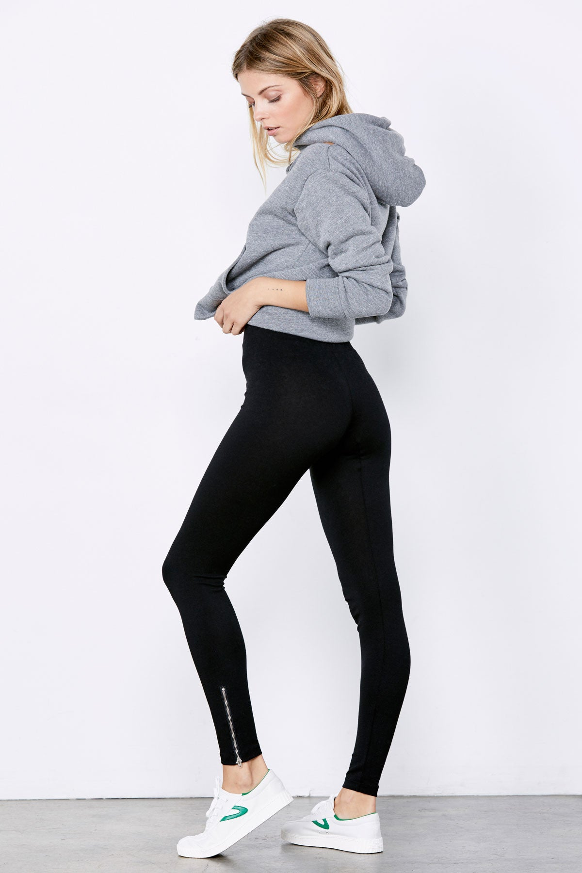 Mid Rise Zipper Legging - Flat Black