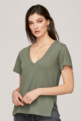 LNA Reese V Neck Tee in Military Green