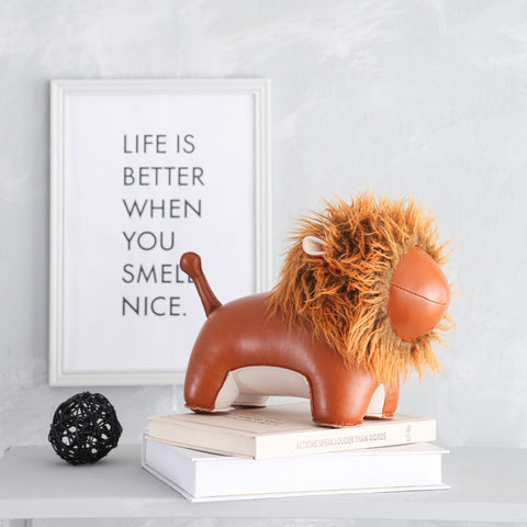 ZUNY | Bookend | Lion