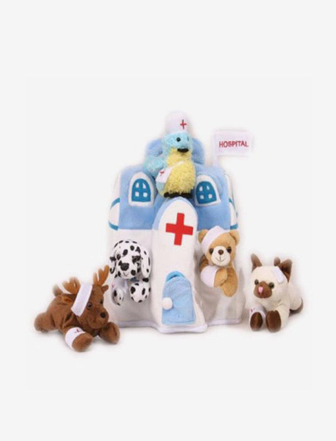 ANIMAL HOSPITAL HOUSE WITH 5 STUFFED INJURED ANIMALS