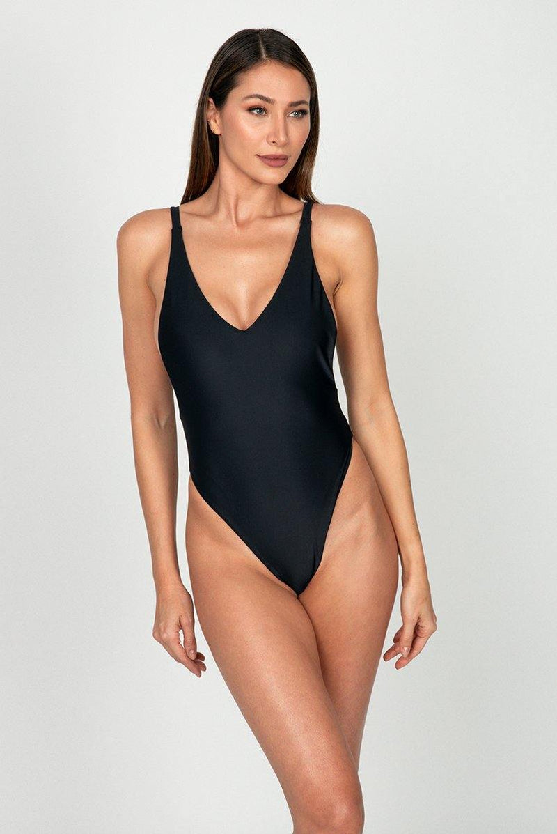 THE HYPE ONE PIECE BLACK