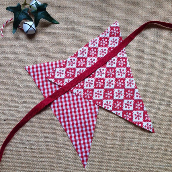 Bunting - Red