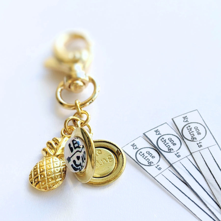 """BE BRAVE"" PINEAPPLE CHARM & LOCKET KEYCHAIN/PURSE CLIP - One Thing Lockets 