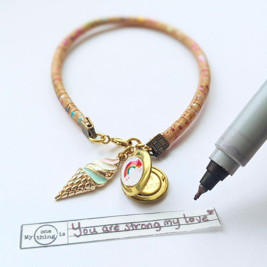 "KIDS! - ""BRIGHTER DAYS"" LOCKET BRACELET ON CORK (VEGAN) - One Thing Lockets 