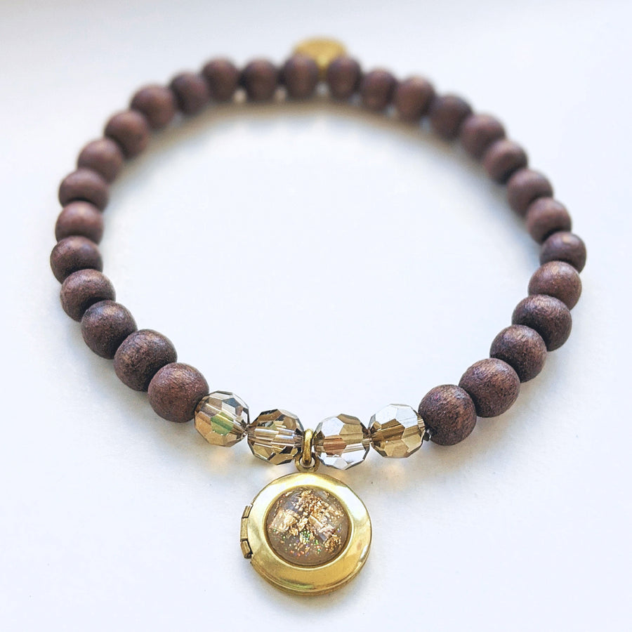 """HONEYBUSH"" WOOD BEAD LOCKET BRACELET - One Thing Lockets"
